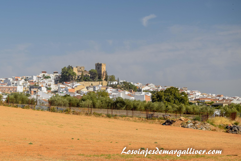 Vistas de Montemayor desde las bodegas San Acacio - Los viajes de Margalliver